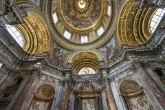 Arkitektoniska detaljer och inre av det kyrkliga helgonet Agnes in sedan Arkivfoto
