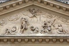 Arkitektoniska detaljer på den berömda Karls kirchen i Wien Fotografering för Bildbyråer
