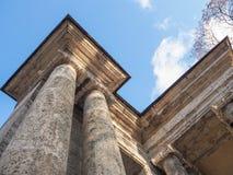 Arkitektoniska kolonner stil för sepia för forntida illustration för kolonner 3d tonad gammal realistisk Royaltyfri Foto