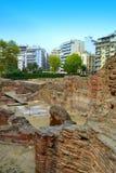 Arkitektoniska utgrävningar i stadens centrum Thessaloniki Arkivfoto
