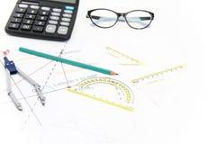 Arkitektoniskt projekt för affär, par av passare, exponeringsglas, regel Arkivbilder