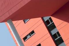 Arkitektoniskt specificera av en modern byggnad Arkivfoto