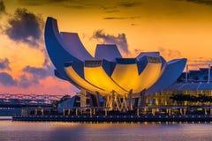Arkitektur av Art Science Museum på morgonen Royaltyfri Bild
