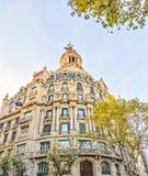 Arkitektur av centret - Plaza Catalonia Placa de Catalunya på November 11, 2016 Barcelona, SPANIEN Royaltyfri Foto