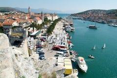 Arkitektur av den gamla staden av Trogir, Kroatien Royaltyfri Foto