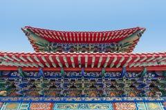 Arkitektur av den kinesiska templet i Thailand Royaltyfria Bilder