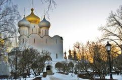 Arkitektur av den Novodevichy kloster i Moskva Smolensk symbolskyrka arkivfoto