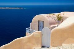 Arkitektur av den Oia byn på Santorini, Grekland Royaltyfri Foto