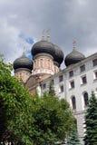 Arkitektur av det Izmailovo säterit i Moskva domkyrkaintercessionmoscow röd russia fyrkant Arkivbilder