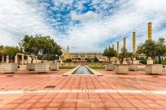 Arkitektur av det olympiskt parkerar av Montjuic, Barcelona, Catalon Royaltyfri Foto