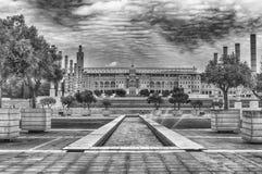 Arkitektur av det olympiskt parkerar av Montjuic, Barcelona, Catalon Royaltyfria Bilder