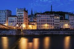 Arkitektur av Lyon längs den Saone River floden Arkivfoto