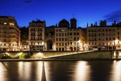 Arkitektur av Lyon längs Saone River Arkivbild