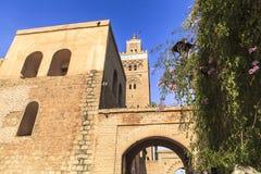 Arkitektur av moskén i Marrakech, Marocko Arkivbild