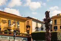 Arkitektur av Sorrento, Italien Sorrento är en populär touristic destination på den Amalfi kusten arkivbilder