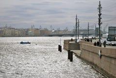 Arkitektur av St Petersburg, Ryssland Den Neva floden Royaltyfria Foton