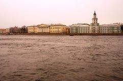 Arkitektur av St Petersburg, Ryssland Kunstcamera museum Royaltyfri Foto