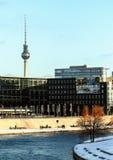 Arkitektur av Tyskland Byggnader i Berlin Euro-tur i vinter arkivbilder