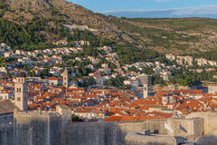 Arkitektur i Dubrovnik den gamla staden royaltyfria foton