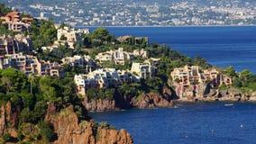 Arkitektur i harmoni med naturen Cote d'Azur Frankrike Arkivfoto