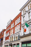 Arkitektur i mitt för stad för Dublin ` s i den Grafton Street featurinen Arkivfoton
