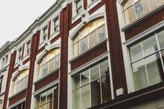 Arkitektur i mitt för stad för Dublin ` s nära Grafton Street Royaltyfri Bild