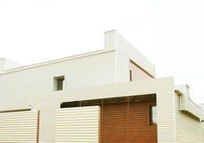 Arkitektur modernt hus som är privat Fotografering för Bildbyråer