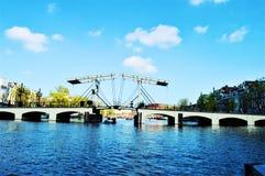 Arkitektur och broar i Amsterdam Arkivfoton