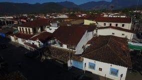 Arkitektur och gata för flyg- sikt antik i staden av Paraty - Rio de Janeiro - Brasilien lager videofilmer