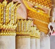 Arkitektur och skulptur i buddistisk tempel Royaltyfria Foton