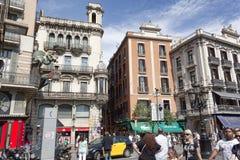 Arkitektur på La Rambla i Barcelona Arkivbild
