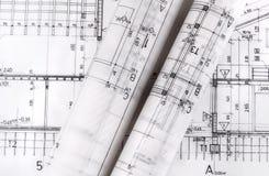 Arkitektur rullar arkitektritningar för arkitektoniska plan royaltyfri fotografi