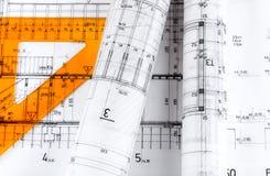Arkitektur rullar arkitektritningar för arkitektoniska plan Arkivfoton