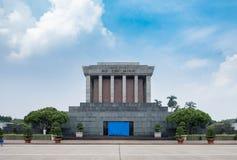 Arkitektur som bygger det Ho Chi Minh Mausoleum stället av revolutionaen royaltyfri fotografi