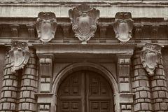 1193 1197 arkitektur som snider för russia för domkyrkademetriusmonument white för vladimir för sten st unik arkitektoniskt byggn Arkivbild