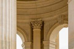 Arkitekturbeståndsdelar av Peyrou vatten rockerar, Montpellier, franc Royaltyfri Fotografi
