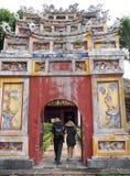 Arkitekturdesign för kinesisk stil av den historisk forntida vietnamesisk kejsare FÖRBÖD SLOTTEN Fotografering för Bildbyråer