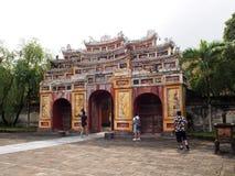 Arkitekturdesign för kinesisk stil av den historisk forntida vietnamesisk kejsare FÖRBÖD SLOTTEN Royaltyfri Foto