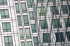 Arkitekturdetalj av Canary Wharf. Royaltyfri Bild