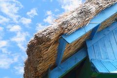Arkitekturdetalj av ett hus med vasstaket från Tulcea, Rumänien Arkivbild