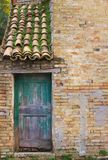 Arkitekturdetaljer och gamla fasader av Marche Royaltyfri Bild