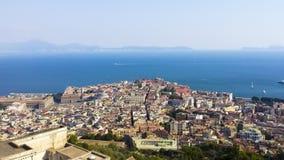 Arkitektursikt av den Naples staden från slotten Sant 'Elmo royaltyfria foton