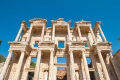 Arkiv av Celsus i den forntida staden av Ephesus, Turkiet Ephesus ?r en UNESCOv?rldsarv arkivfoton