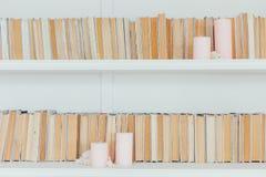 Arkivinställning med gamla böcker Royaltyfri Foto