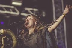 Arkona, Livekonzert 2018 Maria 'Masha Scream 'Arkhipova stockfotografie
