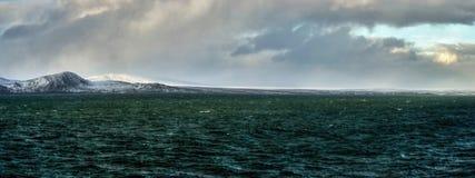 Arktisches Küste Bering-Seepanorama Stockfotos