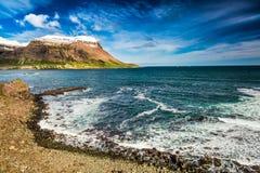Arktisches Meer und Küstenlinie, Island Lizenzfreies Stockfoto