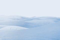 arktisk öken vinterlandskap med snödrivor Arkivfoto