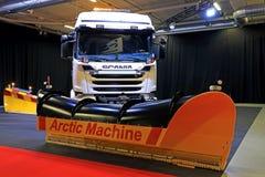 Arktisk maskin Skåne lastbil monterade Front Plough Royaltyfri Bild