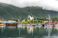 Arktyczna katedra w Tromso mieście w północnym, Norwegia fotografia stock